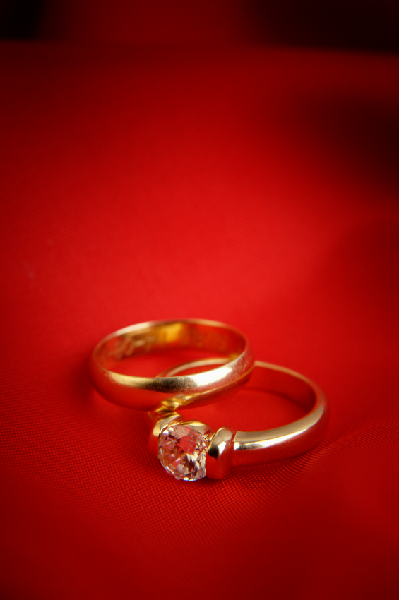 gold diamond engagement ring set